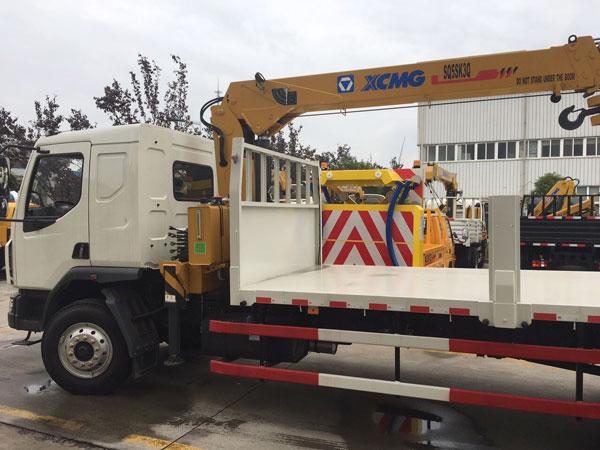 Xe tải 9 tấn gắn cẩu